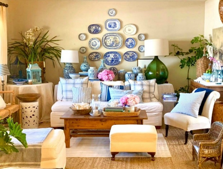 "From ""Boho Maximalist"" to ""Coastal Comfy,"" This Living Room Is Transformed With A Timeless Blue And White Scheme"