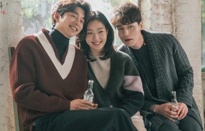 "Gong Yoo & Lee Dong-Wook Team Up To Surprise ""Goblin"" Co-Star Kim Go-Eun!"