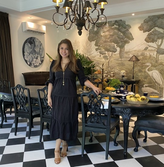 Step Inside Julie Boschi's Dramatic Monochromatic Dining Room