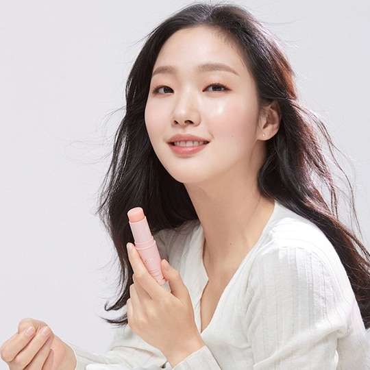 This Is The Moisturizing Stick Kim Go-Eun Is Obsessed With