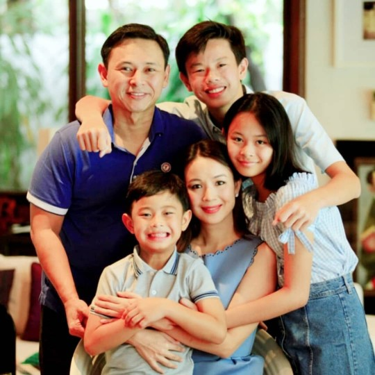 WATCH: Tootsy Angara And Her Kids Surprise Sen. Sonny With Father's Day Tributes