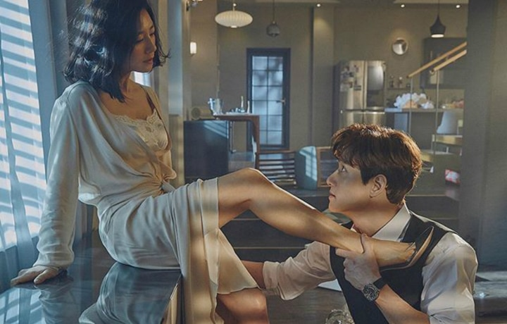 "Five Reasons To Watch Korea's Latest TV Craze ""A World Of Married Couple"""