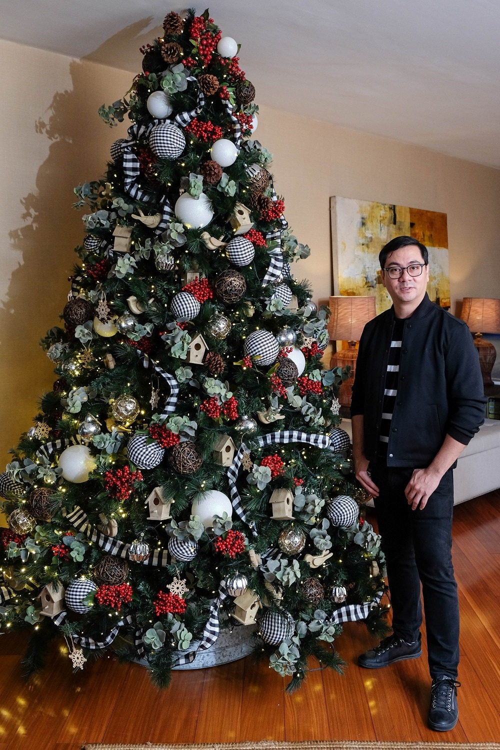 A rustic-themed Christmas tree made by Metro Home EIC and TV host, Anton Barretto