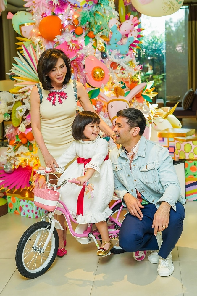 Belo Christmas Party 2020 Dra. Vicki Belo And Dr. Hayden Kho On Their Fondest Christmas