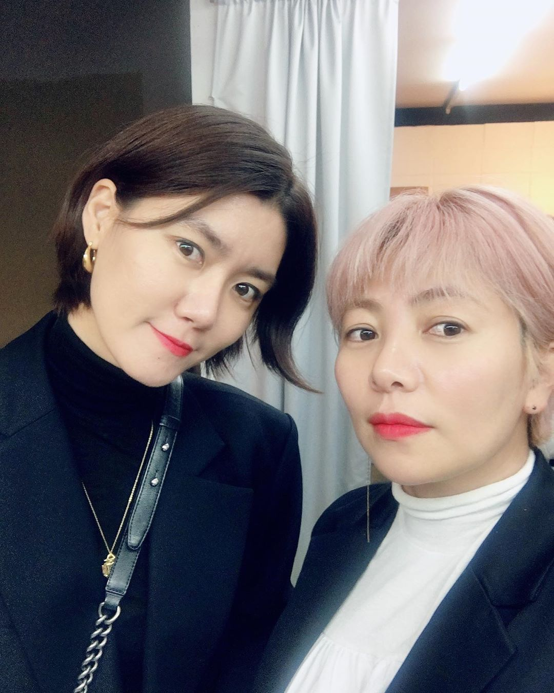 Mi-jeong and Mu Jin, a glam team match-up made in K-beauty heaven!