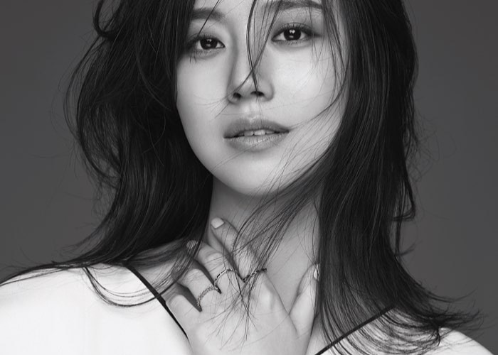 Get to know korean actress Moon Chae-Won