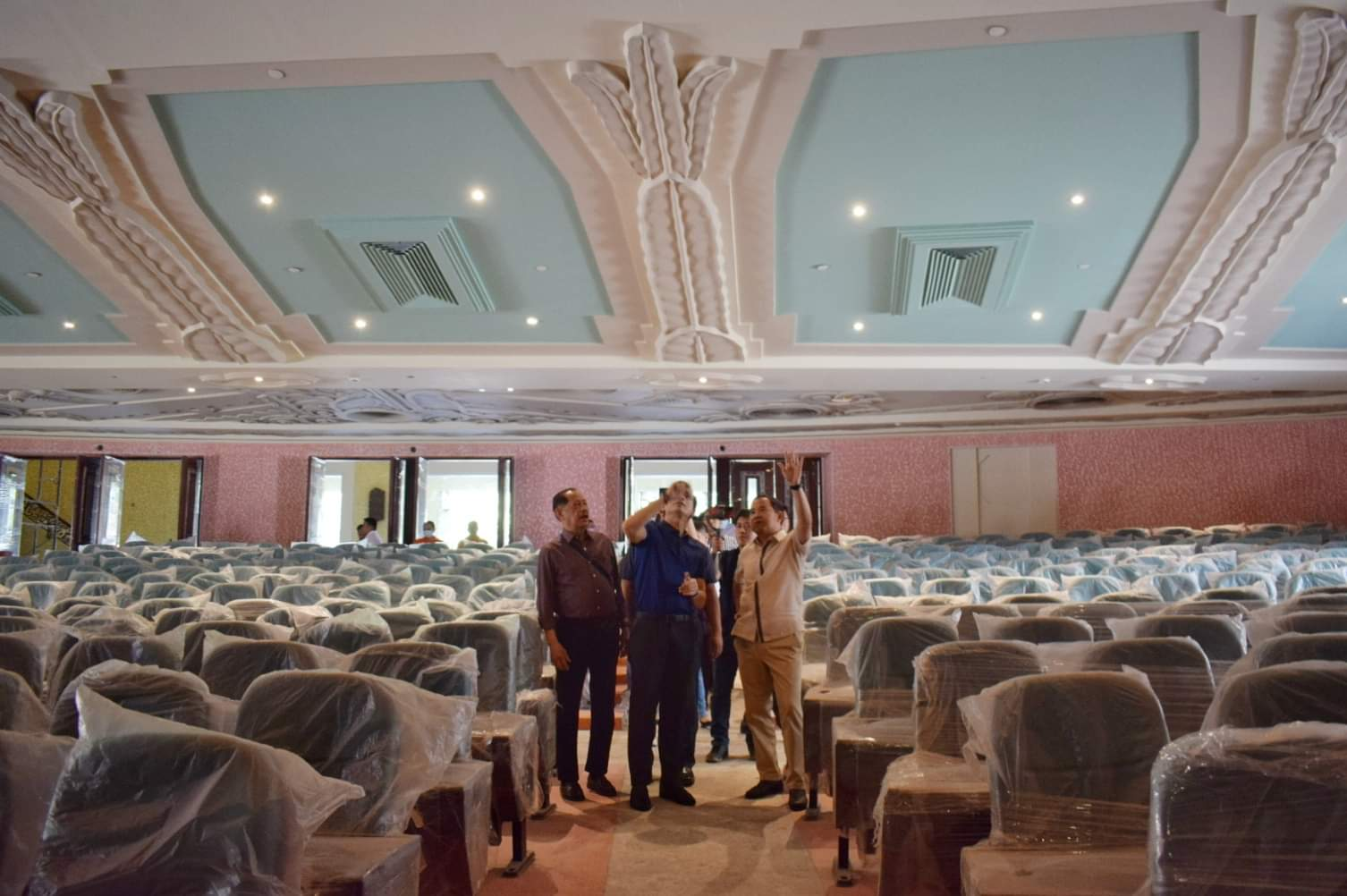 Mayor Isko Moreno Domagoso inspecting the progress of the Manila Metropolitan Theater restoration.