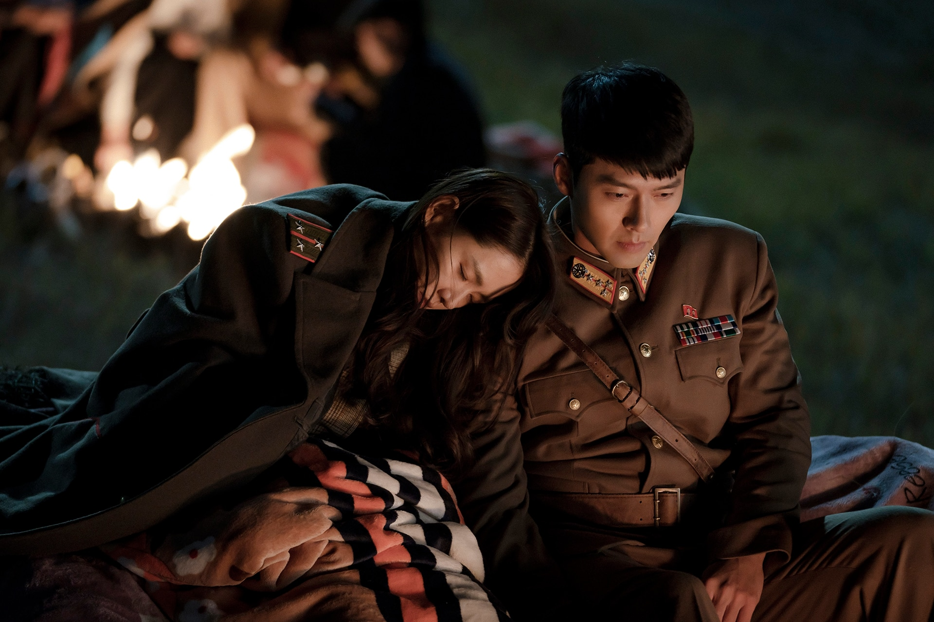 Son Ye-jin and Hyun Bin as Yun Se-ri and Ri Jeong-hyeok