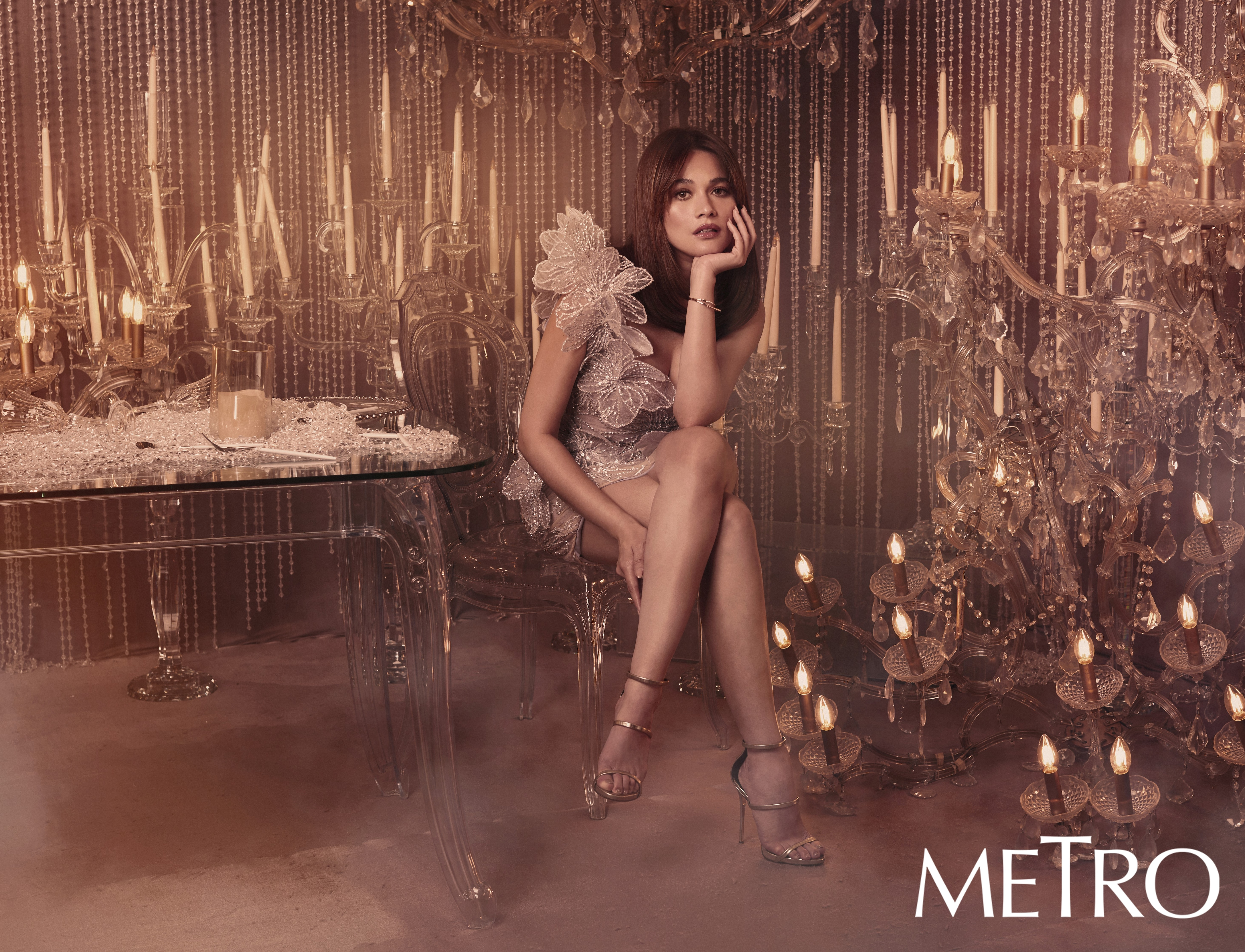 Bea Alonzo is one of the cover girls for Metro magazine's 30th anniversary special.